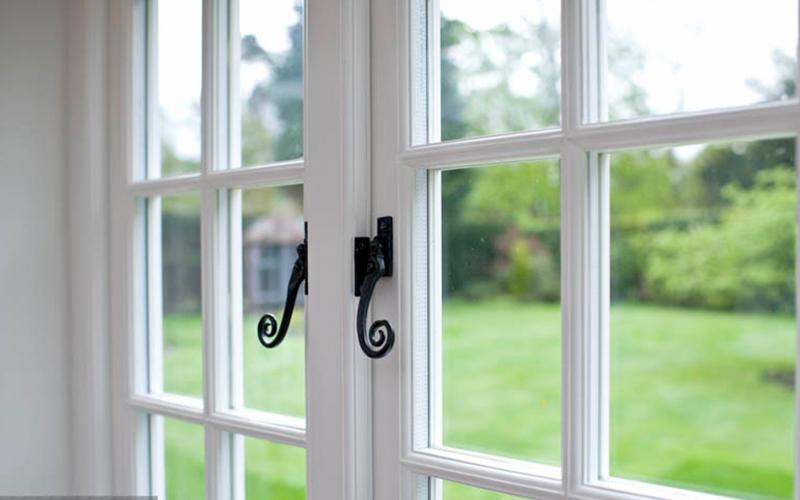 پنجره-چوبی-۱